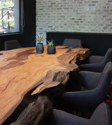 Mutami Conference Table