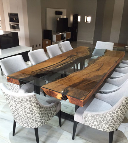 Mutami Dining Table